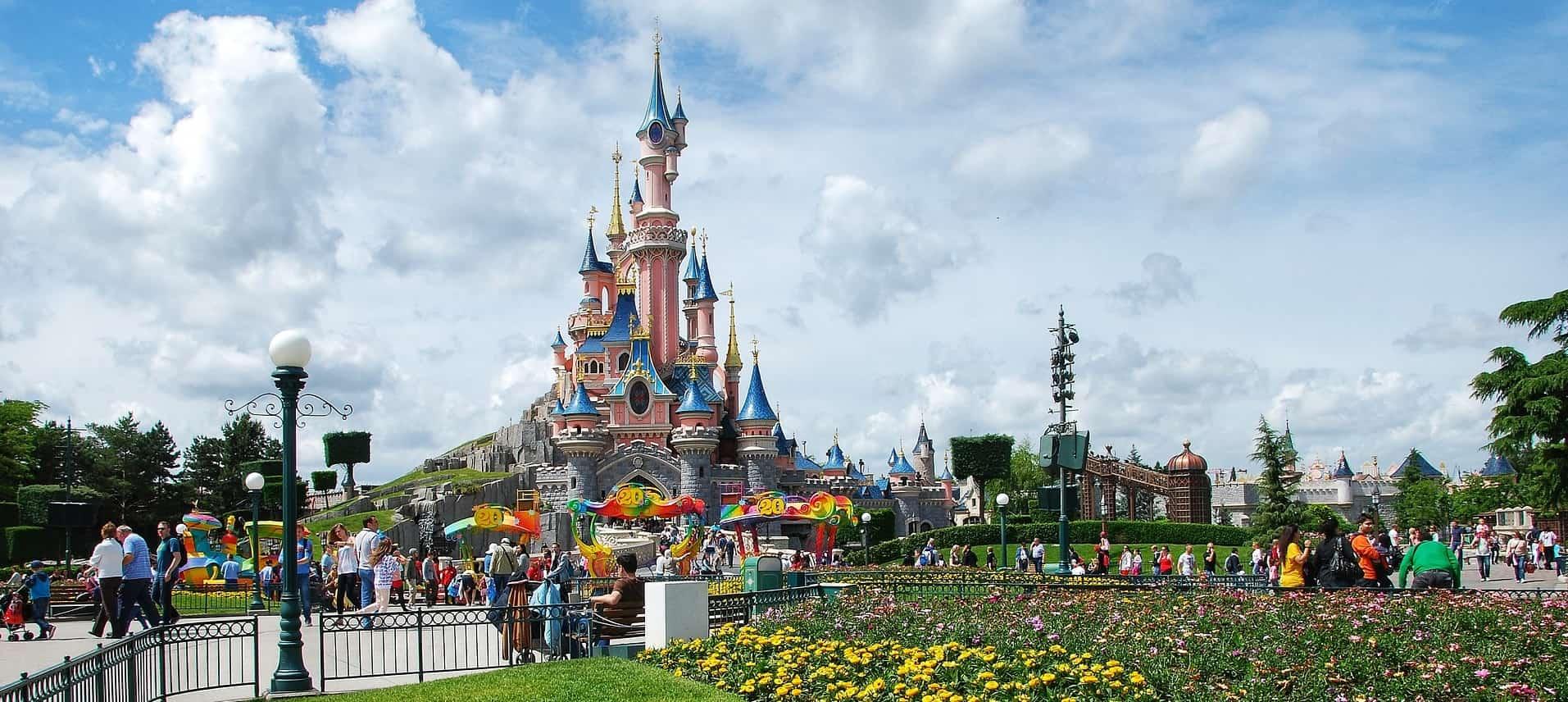 Karte Disneyland Paris Attraktionen.Disneyland Paris Eintritt Tickets Offnungszeiten